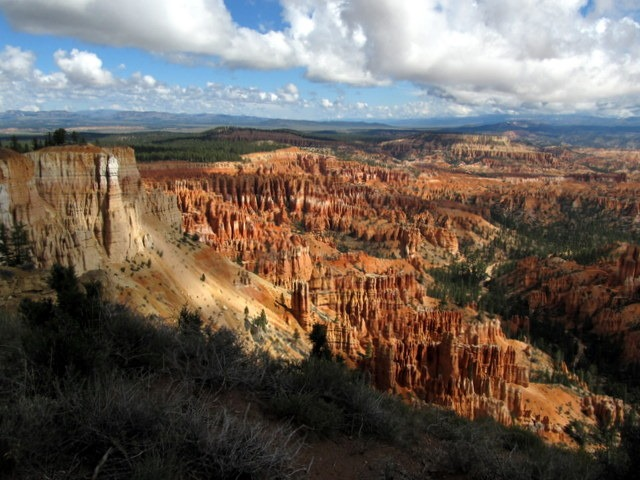The view from Rim Trail in Bryce