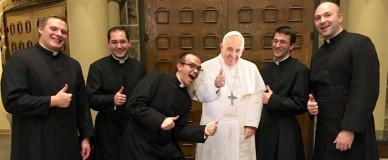 happy-seminarians-w-pope-cutout-1160x480
